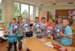 © Barbara Arndt Die Mädchen und Jungen der Grundschule Lankow sind ganz begeistert von den neuen Schulheften
